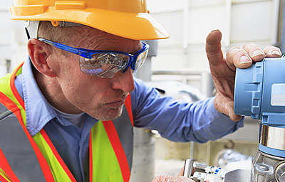 guy-safety-glasses